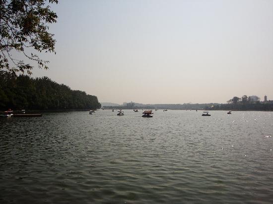Nanjing, China: 美丽的湖面