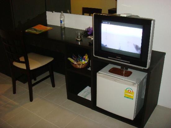 G.House : 电视和冰箱