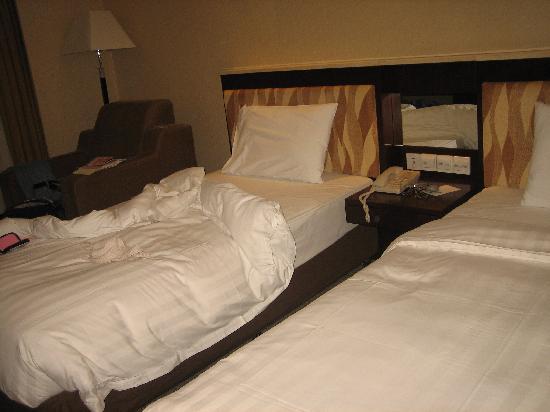 Hotel Taipa Square: 很普通的房间的样子。。。还算干净啦。不过有些陈旧了。