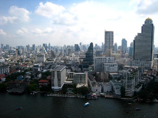 The Peninsula Bangkok: 阳台上看出去的景观