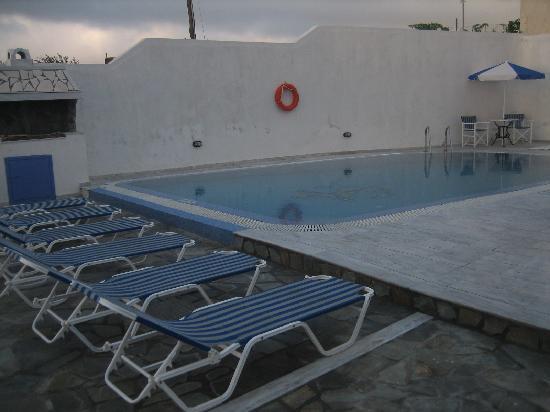 Stavros Villas: 泳池