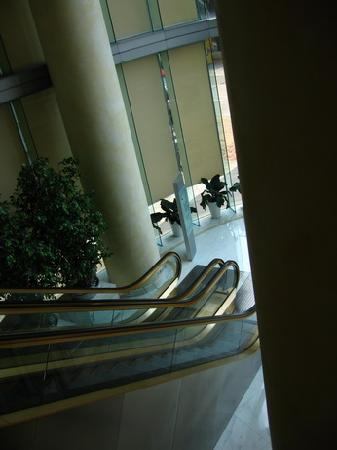 Metropark Hotel Causeway Bay Hong Kong: 上楼的扶梯
