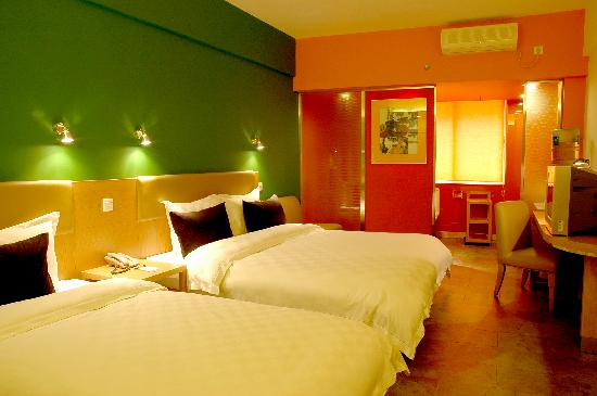 Qiaotong Shishang Hotel
