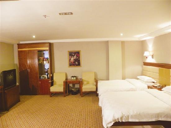 Risheng Hotspring Hotel: 宽敞
