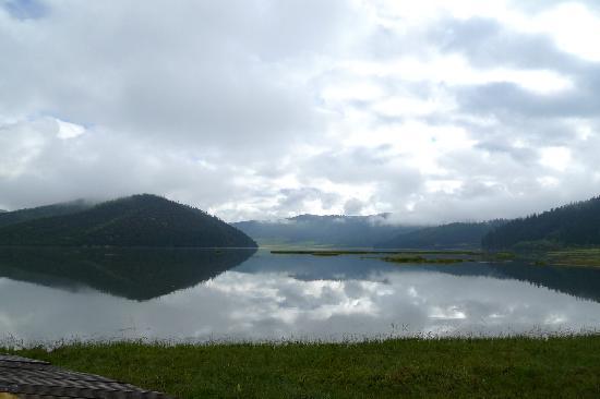 Potatso National Park: 湖水