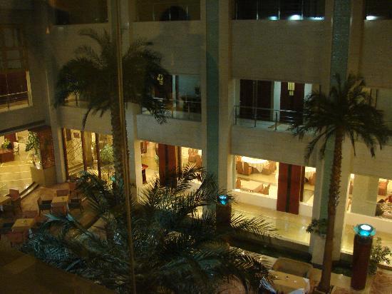 E Mei Shan Hot Spring Hotel : 酒店内景