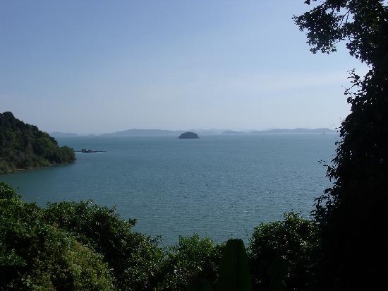 Supalai Resort & Spa Phuket: 从酒店里能看到大海