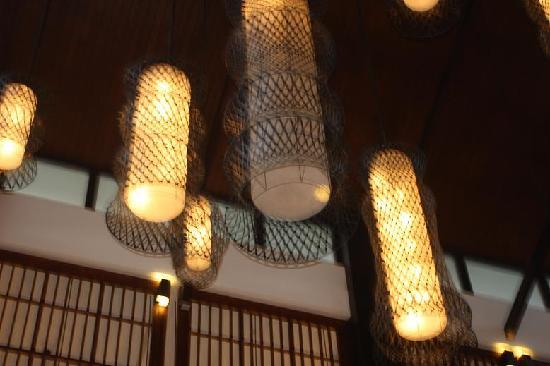 Howard Johnson Resort Sanya Bay: 大堂的吊灯