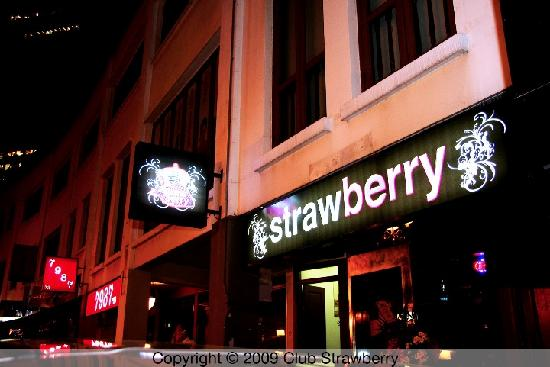 Club Strawberry