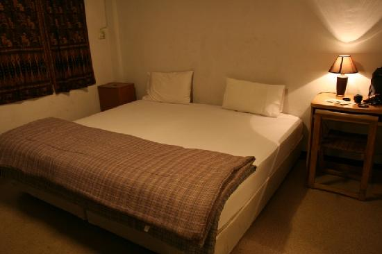 Suk 11 Hostel: 很简单的房间