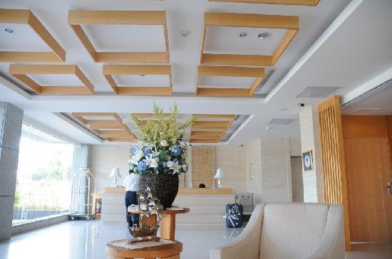 Ocean Hotel: lobby