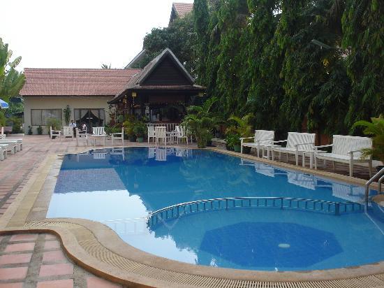 โรงแรมโมโนริช อังกอร์: 游泳池