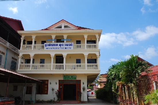Sun Sengky Guest House: GH外观