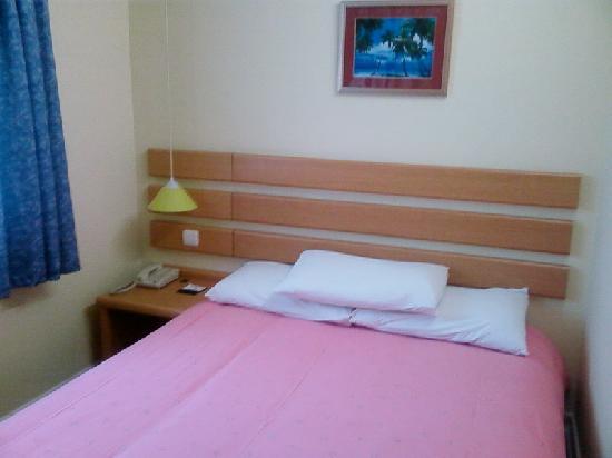 Home Inn (Hangzhou Xihu Duanqiao): 床