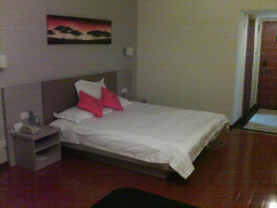 Mellow Orange Hotel: 床