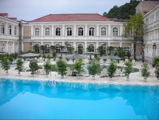 Atravis Resort
