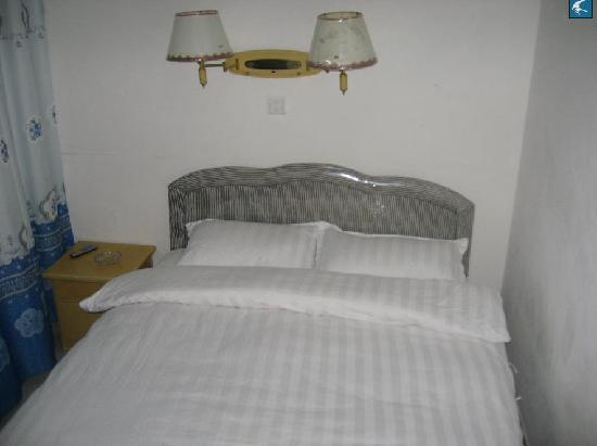 Qingfeng Hostel: 清风客栈大床房
