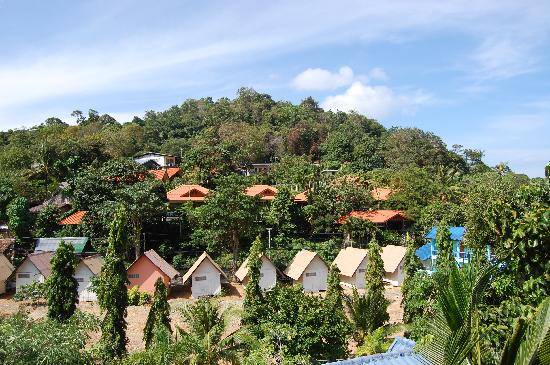 Phuttachot Resort: 从房间的阳台能看到的景
