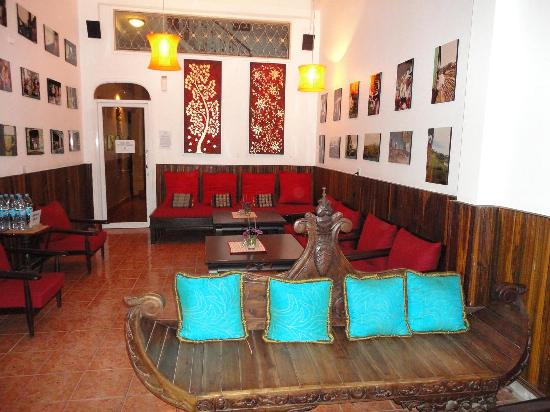 Goldie Boutique Guest House: 泰式风格的小小大堂
