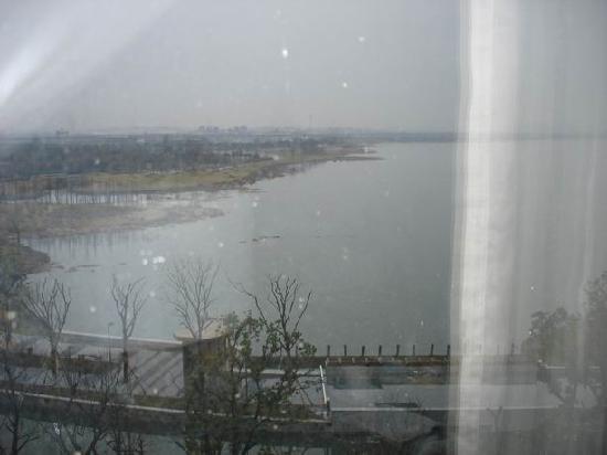 Fairmont Yangcheng Lake: 窗外金鸡湖风景