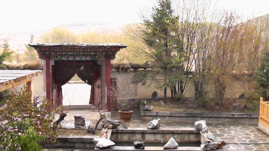 Songtsam Shangri-la (Lugu) Hotel: 酒店花园
