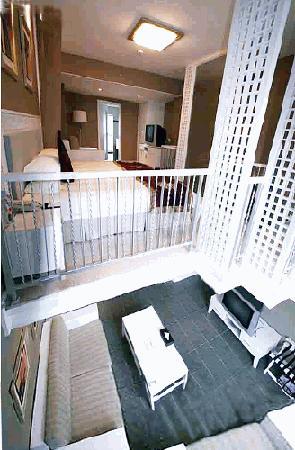 Nade 51 Fashion Hotel: 房间内部的错层设计很特别