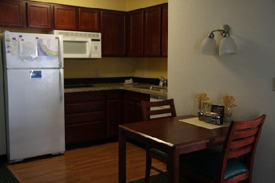 Residence Inn Phoenix Chandler/Fashion Center : pic 0044