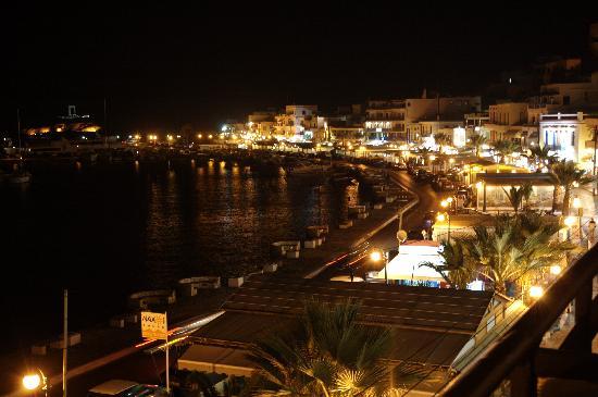 Hotel Coronis : 从旅馆阳台看出去的夜景