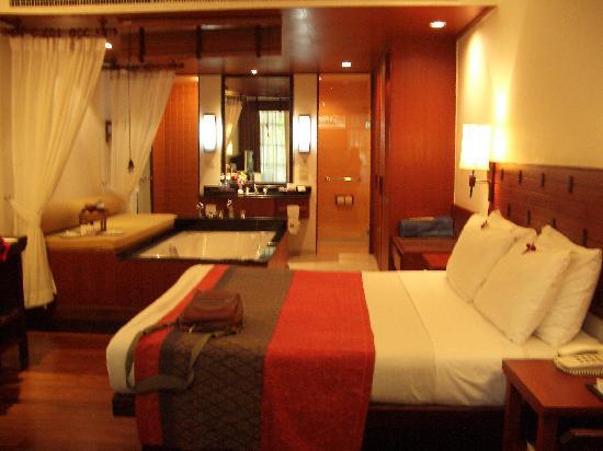 Imperial Boat House Beach Resort, Koh Samui: room