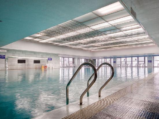 Starway Premier ECO Grand Hotel : 泳池