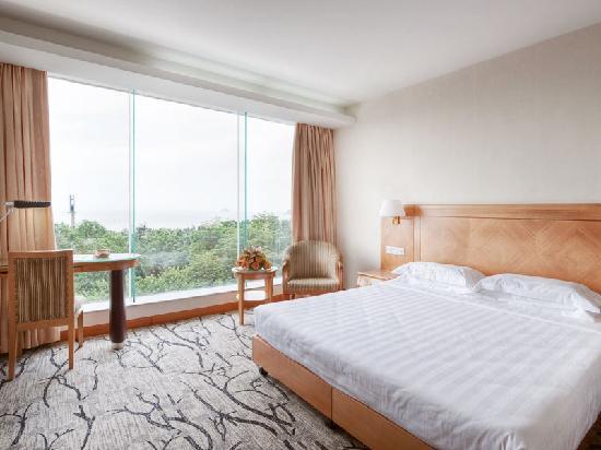 Starway Bihai Hotel