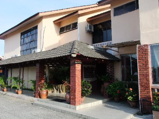 Nadias Inn Beach Resort: 接待处