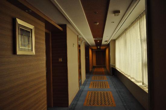 Days Inn Xian Hanguang: 走廊