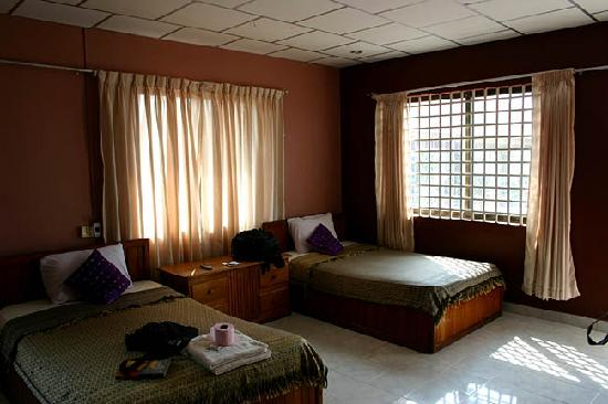 Mealy Chenda Guesthouse : MEALY CHENDA Guest House的房间