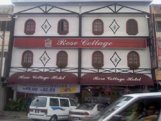 Rose Cottage Hotel Taman Johor Jaya: 酒店门