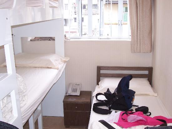 Yo Hotel: 三人间(一个上下铺一个单人床),价格和双床间一样