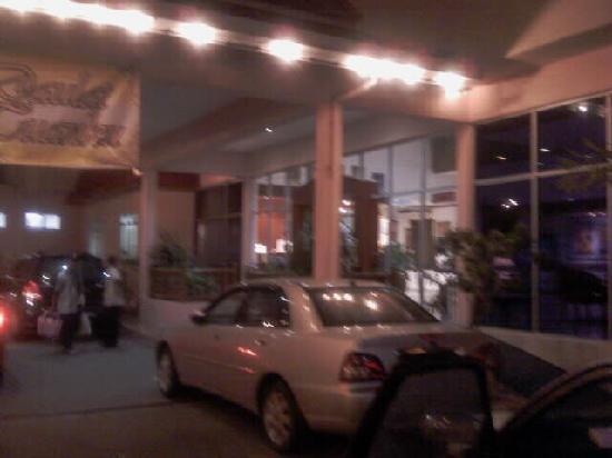 Seri Malaysia Hotel Kuala Terengganu: 外观酒店前门