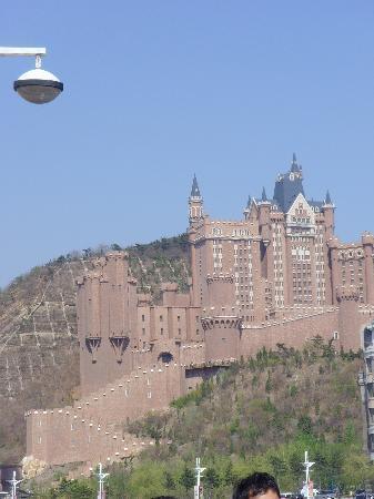 Dalian, China: 传闻这是某个王子在中国的府邸,以后会当博物馆使用