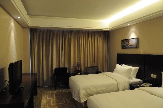 Henan Business Hotel : 标准间