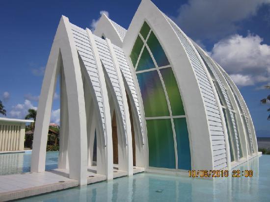 Pacific Islands Club Guam : 1336196_404081253