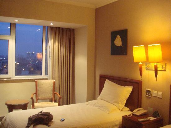 GreenTree Inn Wuxi Guyunhe Business Hotel: 房间舒适,视野很好