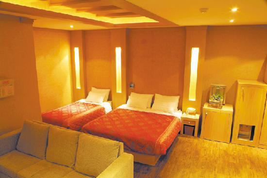 Seaworld Tourist Hotel: junior suite
