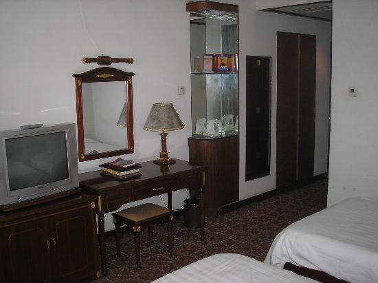 Tengzhou Hotel (Shanguo Middle Road): P1010207