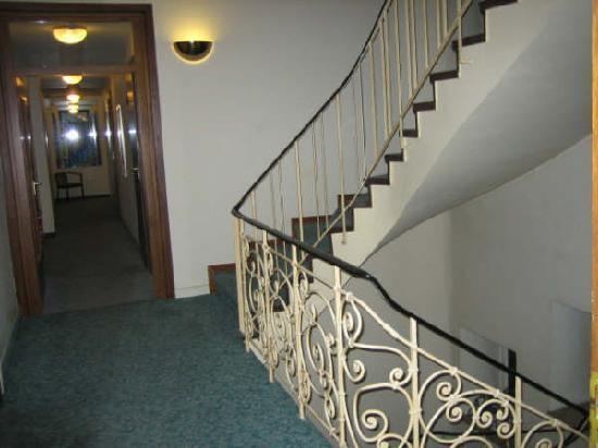 Bären Hotel: 走廊