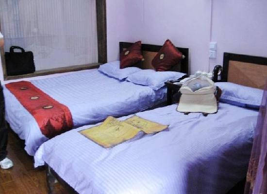 Lijiang Huayang Nianhua Boutique Fengqing Inn No.3: 房间双床