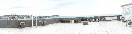 Nanmen Bay Seaview Apartment Hotel: 欣赏大海的阳台