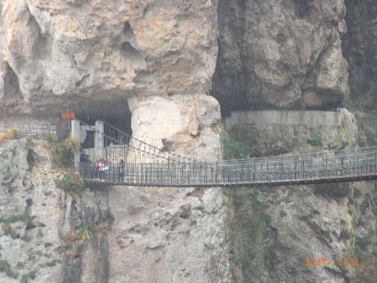 Mid Yandang Mountain: 方洞