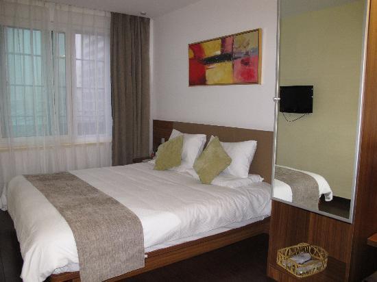 Quanji Hotel Shanghai New Horizons: 大床房