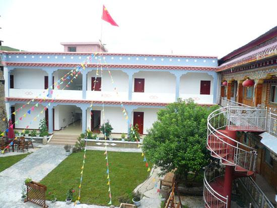 Batang County, จีน: 小院够漂亮