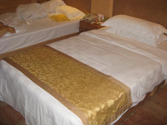 Vienna Hotel Beijing Shouti: 标双的床